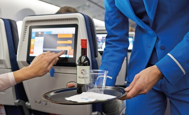 Алкоголь во время полета