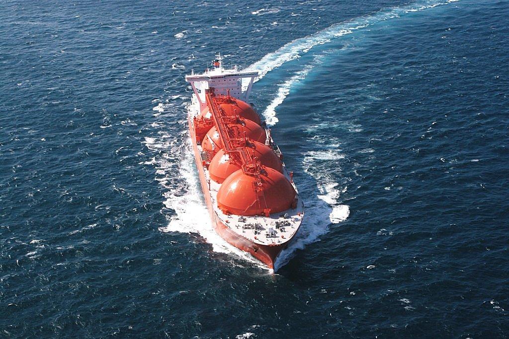 Перевозка наливных грузов водным транспортом